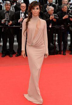 Eva Longoria, égérie L'Oréal Paris, en robe Vionnet automne-hiver 2014-2015 et bijoux Martin Katz (this has got to be the worst dress I've seen her wear yet.Sweetheart - this is not your dress) #Cannes2014