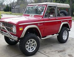 I suppose most adults dream of fancy cars.  This is what I dream of.  Vintage Ford Bronco.  I am a chevy girl too.  shhhh