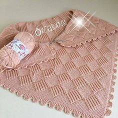 Lovely striped blanket with white between - DiyForYou Big Knit Blanket, Baby Blanket Crochet, Crochet Baby, Baby Knitting Patterns, Knitting Yarn, Baby Pullover, Big Knits, Knitted Bags, Baby Sweaters