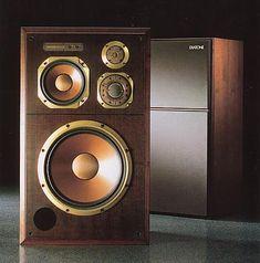 Big Speakers, Monitor Speakers, Speaker System, Audio System, Speaker Box Design, Audio Room, High End Audio, Hifi Audio, Surround Sound