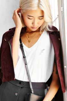 Truly Madly Deeply On Tour V-Neck Tee - Urban Outfitters