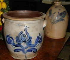 Pfaltzgraff Crock & Jug - so cool! I wish these were mine!