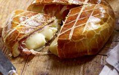 Hogyan készíthetünk húsvéti sonkával és sajttal töltött kalácsot?