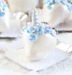 Our Unicorn party celebration continues with Unicorn Chocolate Covered Strawberries, aka #Uniberries!