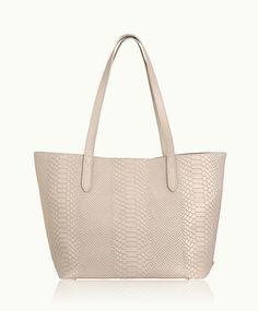 9789428fec 82 Best Women s Bags images