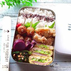 地味だけど滋味!実はバリエーション豊富でヘルシーな油揚げレシピ11選|おうちごはん Bento Box Lunch, Lunch Boxes, Lunches And Dinners, Food Presentation, Food Styling, Easy Meals, Healthy Recipes, Dishes, Cooking
