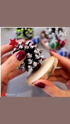 By MiLena on Youtube Easy Christmas Decorations, Christmas Ornament Crafts, Christmas Crafts For Kids, Homemade Christmas, Christmas Art, Christmas Projects, Simple Christmas, Holiday Crafts, Christmas Holidays