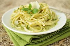Recipe for linguine with pea and mint pesto