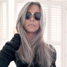 I get many compliments (thank you), comments and questions on my hair colour. So here are the answers to those of you who are considering going grey, too. Yes, this is my natural hair colour. It's a challenge to your vanity to grow out grey: set aside, ro