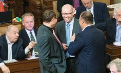 Sobotka podpořil záměr společného základu firemní daně v EU, Babiš je proti