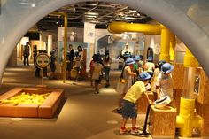 If you are looking for an educational, hands-on and FREE museum in Tokyo to take the kids on a hot or rainy day head to the Gas Science Museum in Toyosu. Japan Info, Tokyo Museum, Free Museums, Science Museum, Shopping Malls, Modern Buildings, Street View, Education, Park