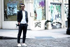Oliver Spencer Suit and ACNE white sneakers in SoHo, NYC #suit #OliverSpencerSuit #Greysuit #WhiteSneakers #AcneShoes
