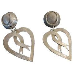 Pre-Owned Chantal Thomass Silver Metal Earrings Silver Metal, Luxury Branding, Women's Earrings, Women Accessories, Personalized Items, Women's Accessories