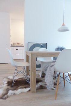 Attraktiv Skandinavisches Design Einrichtungsbeispiele Fellteppich Esszimmermöbel