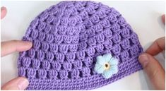 Easy To Crochet Beanie Hat Bobble Stitch - ilove-crochet Crochet Hat Tutorial, Easy Crochet Hat, Crochet Baby Hat Patterns, Baby Sweater Knitting Pattern, Crochet Baby Beanie, Beanie Pattern, Free Crochet, Bobble Crochet, Bobble Stitch