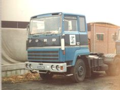 Old Lorries, Vintage Trucks, Classic Trucks, Transportation, Europe, Christian, Caravan, Truck, Trucks