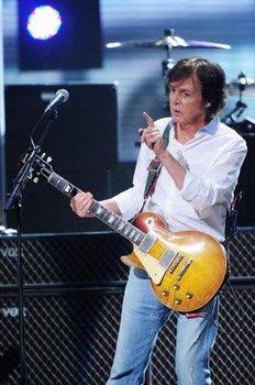 Columnist lashes out at Paul McCartney 12.12.12 set list