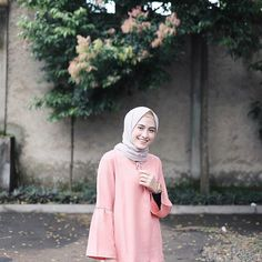 Wearing top by Modest Fashion, Hijab Fashion, Niqab, Amy, Dress Up, Photo And Video, Casual, Fashion Ideas, How To Wear