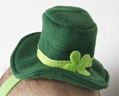 Felt shamrock banded hat....precious ... Uploaded with Pinterest Android app. Get it here: http://bit.ly/w38r4m ... Uploaded with Pinterest Android app. Get it here: http://bit.ly/w38r4m