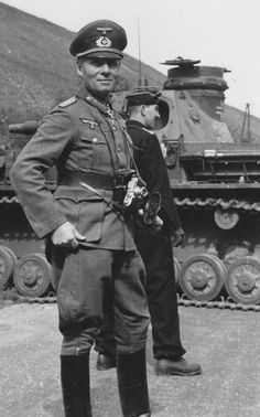 Photo Major General Erwin Rommel and Panzer IV France May 1940 German Soldier, German Army, Panzer Iv, Afrika Corps, Erwin Rommel, Field Marshal, German Uniforms, Military Uniforms, Ww2 Photos