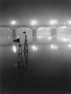 Brassa - Pont des Arts, Paris, 1932. S)