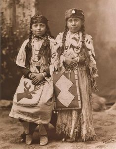 Yakama girls - before the death of the photographer in 1934