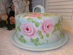 HAND PAINTED CAKE SAVER CARRIER Available on Ebay!!  seller ID sunny-sommers Artist D.Sommers