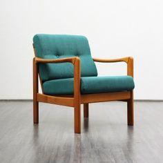 Dieser Sessel wurde in den 1960er Jahren hergestellt. Er besteht aus einem…