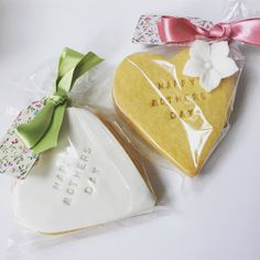 RT Cakes creates bespoke wedding cakes in Essex, Kent and London. We can cater for all needs and can also personalise wedding favours and dessert tables upon request. Wedding Favours, Wedding Cakes, Shortbread Cookies, Dessert Table, New Trends, Soaps, Favors, Create, Wedding Gown Cakes