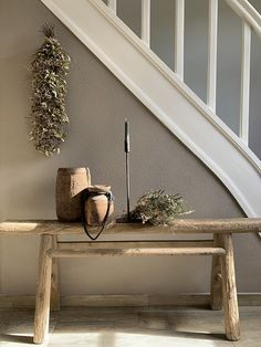 Binnenkijken bij Esther - De Wemelaer - Health and wellness: What comes naturally Home Design, Wall Design, Style At Home, Farmhouse Mantel, Large Lanterns, Sober Living, Hallway Decorating, Fireplace Design, Home Fashion