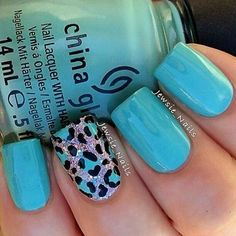 Turquoise with cheetah/leopard accent nail