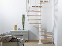 Escalier en colimaçon carré / marche en bois / structure en acier inoxydable / sans contremarche
