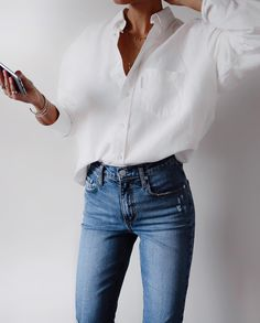 White shirt / Street style fashion / Fashion week / outfits style summer teenage frauen sommer for teens outfits Mode Outfits, Casual Outfits, Women's Casual, Fall Outfits, Work Outfit Casual, Basic Outfits, Girly Outfits, Casual Fall, Look Fashion