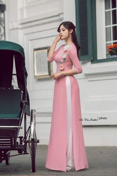 Heels Pink Dress Outfit New Ideas Designer Party Wear Dresses, Kurti Designs Party Wear, Indian Designer Outfits, Stylish Dress Designs, Designs For Dresses, Stylish Dresses, Long Dress Fashion, Fashion Dresses, Gaun Dress
