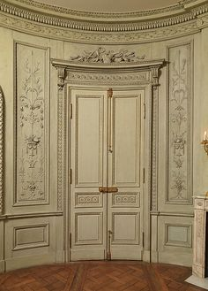 Carving attributed to Barthélemy Cabirol (1732–1786) and his workshop. Room from a hotel in the Cours d'Albret, Bordeaux, ca. 1785. The Metropolitan Museum of Art, New York. Gift of Mrs. Herbert N. Straus, 1943 (43.158.1)