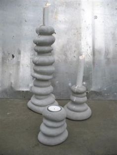 Stone candle holders Concrete Crafts, Concrete Projects, Diy Candle Holders, Diy Candles, New Crafts, Diy And Crafts, Candlesticks, Candleholders, Cement Art