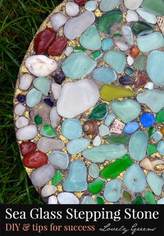 Preserve the memory of a beach visit and the wet look of sea glass in this diy project for garden stepping stones. diy garden stepping stones How to make Sea Glass Stepping Stones Sea Glass Crafts, Sea Glass Art, Sand Glass, Glass Beach, Garden Steps, Easy Garden, Garden Crafts, Garden Projects, Diy Projects