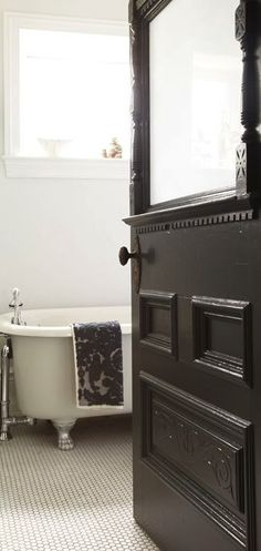 love the vintage black door...so shabby!