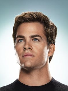 Chris Pine...... I never noticed just how good looking this chap is!! How remiss of me :)