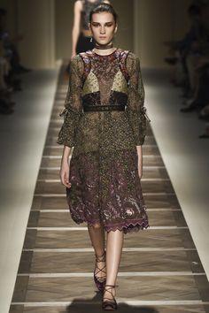 Etro Spring 2016 Ready-to-Wear Fashion Show - Maartje Verhoef