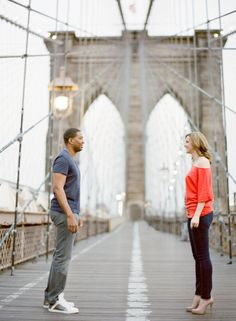 Brooklyn Bridge engagement shoot. Photography by annerobertphotography.com