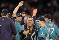 mariners celebrate no hit game