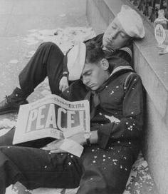 world war i history magazine World History, World War Ii, History Online, Art History, Foto Picture, History Magazine, Interesting History, Gay Couple, Military History