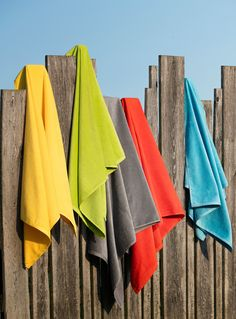 Velvety cotton beach towel  | Simons #simonsmaison #countryclub #trend #towels #decor #homefashion #bathroom #event  #beach