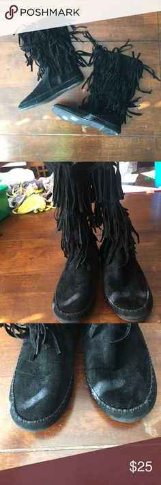 Black Suede Fringe Moccasin Boots Excellent condition! Little wear to them, maybe worn twice. Fully functioning zipper on the side. Soft and comfortable material inside the boots. Fits sizes 5-5.5! Kid's size 2-3. SUBMIT ME AN OFFER!! Shoes Moccasins