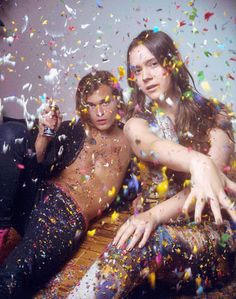 Photography - Fashion - DIESEL REBOOT : IGNACIO TORRES - Animated gif - GIF - Confetti