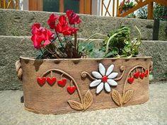 ... Pottery Pots, Ceramic Pottery, Ceramic Flower Pots, Ceramic Planters, Cerámica Ideas, Ceramic Workshop, Pottery Sculpture, Pottery Designs, Art For Art Sake