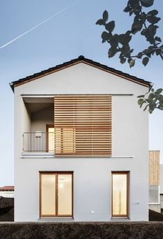 Detached house with airy floor plan- Einfamilienhaus mit luftigem Grundriss Yes, a developer. Layouts Casa, House Layouts, Concept Architecture, Facade Architecture, Future House, Renovation Facade, Design Exterior, Facade House, House Exteriors