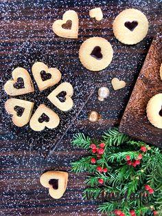 Linecké koláčiky z mandľovej múky - Vegan Lady Gingerbread Cookies, Vegan, Baking, Lady, Desserts, Food, Gingerbread Cupcakes, Tailgate Desserts, Deserts