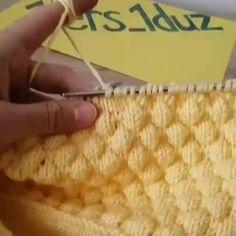 Great Work By 💕💕 - ======= Knittingaddict Knitting Videos, Knitting Stitches, Knitting Projects, Knitting Patterns, Crochet Patterns, Knitting Daily, Knit Or Crochet, Yarn Crafts, Stitch Patterns